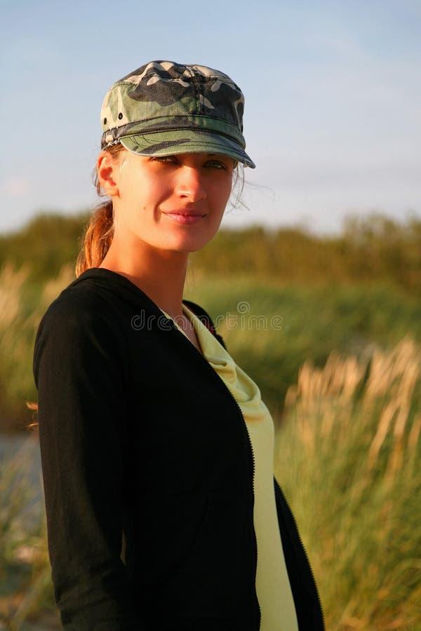 flickamilitär arkivfoto