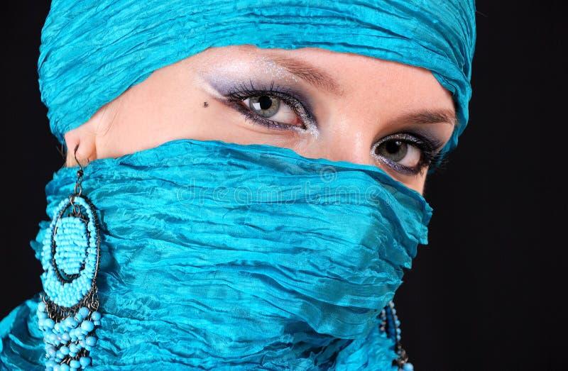 flickamuslim för blåa ögon royaltyfri bild