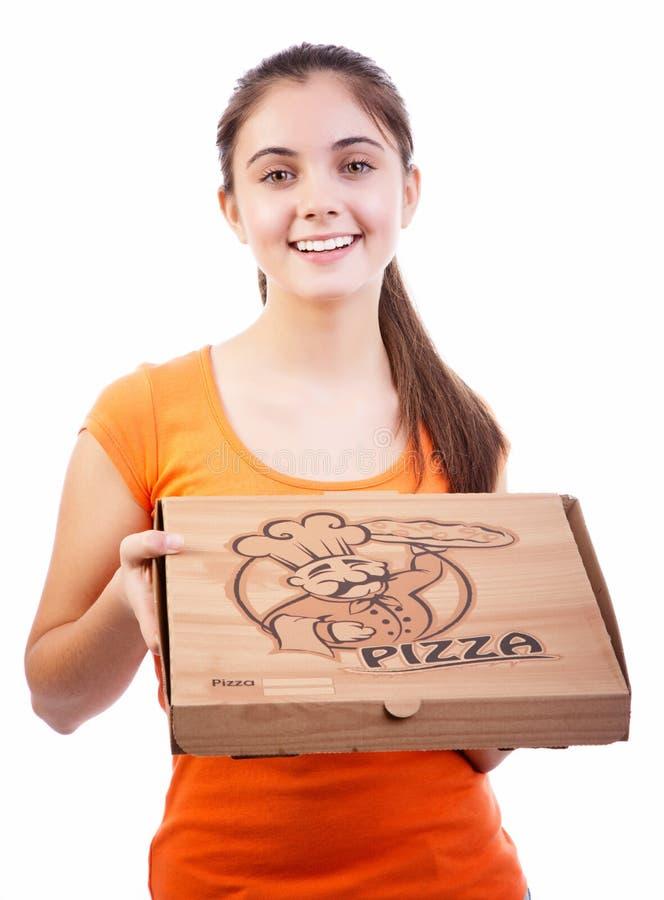 Flickan med pizza boxas royaltyfria foton