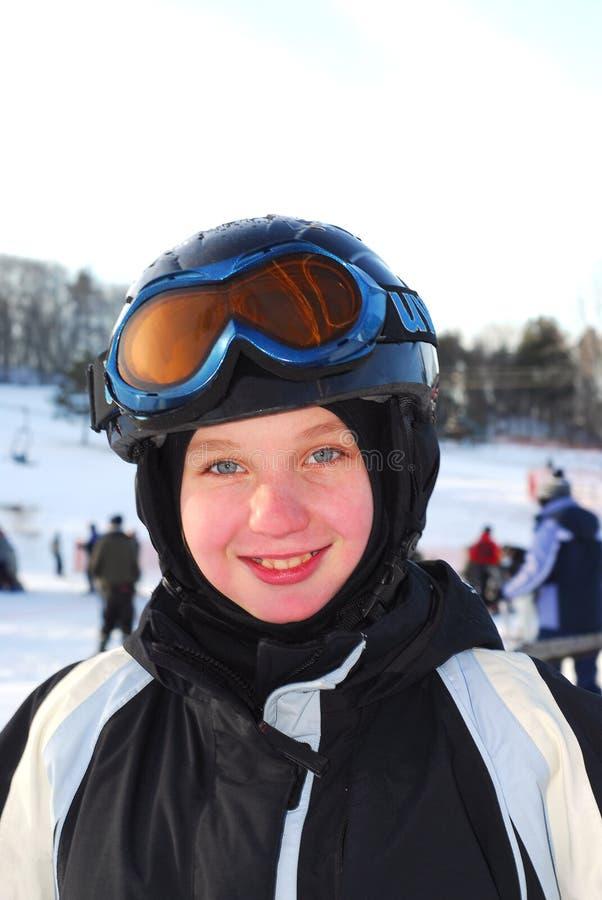 flickan skidar arkivfoton