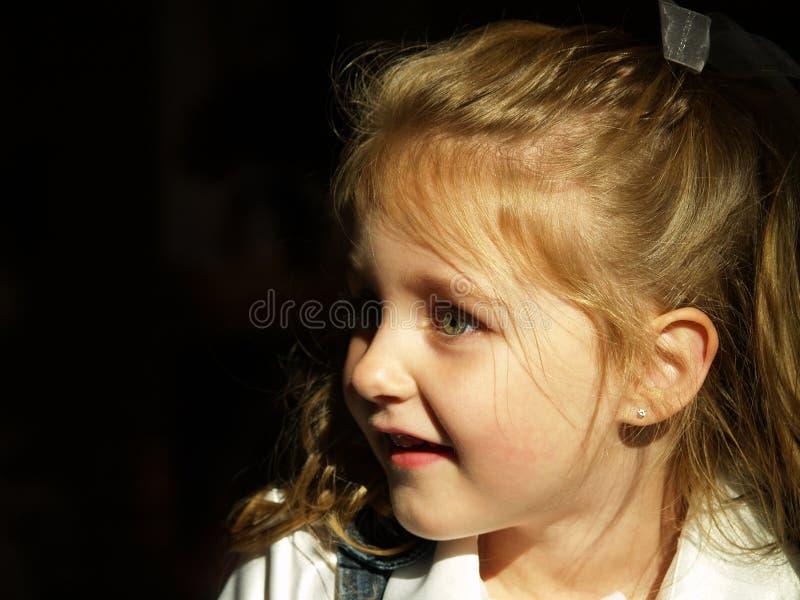 flickaståendebarn royaltyfria foton