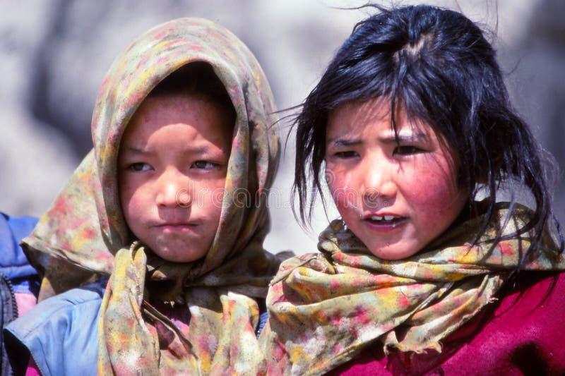 Flickor i Ladakh, Indien royaltyfri foto