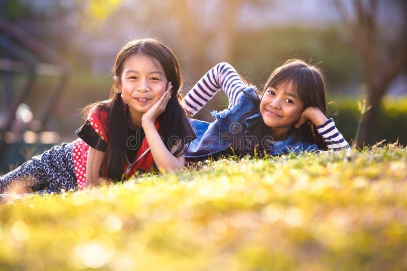 flickor little två royaltyfri bild
