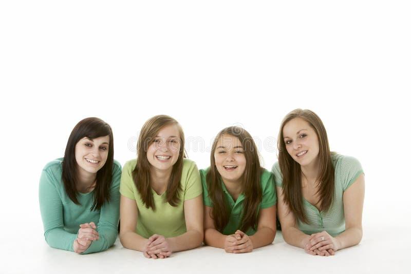 flickvänner grupperar tonårs- arkivfoton