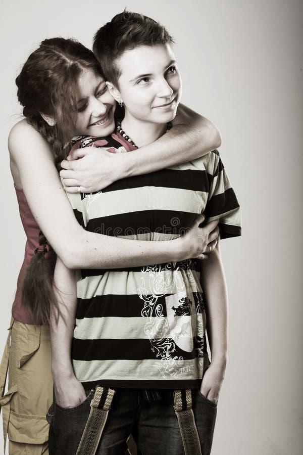 flickvänner lyckliga två arkivfoto