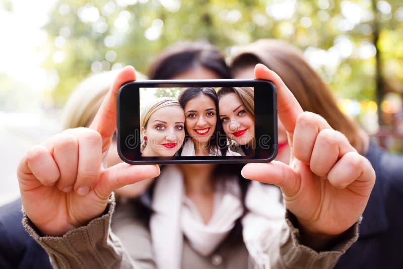 Flickvänner Selfshot arkivbilder