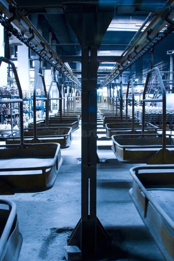 Fließband in der Fabrik stockfoto