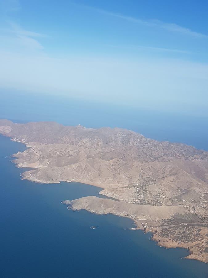 Fliegen über Charrane in Nord-Afrika stockbild