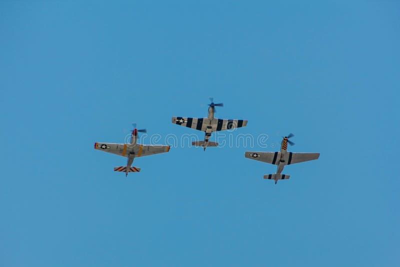 Fliegen der Mustang-P-51 stockbilder