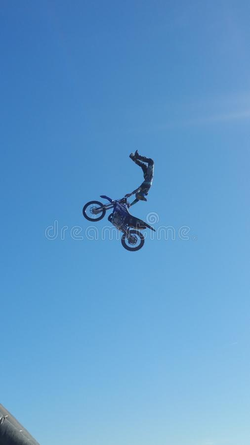 Fliegenmotorrad lizenzfreie stockfotos