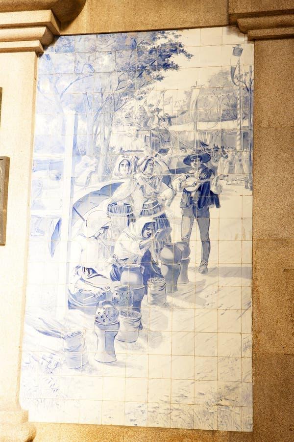 Fliesen u. x28; azulejos& x29; am Bahnhof von Porto, Portugal stockfoto