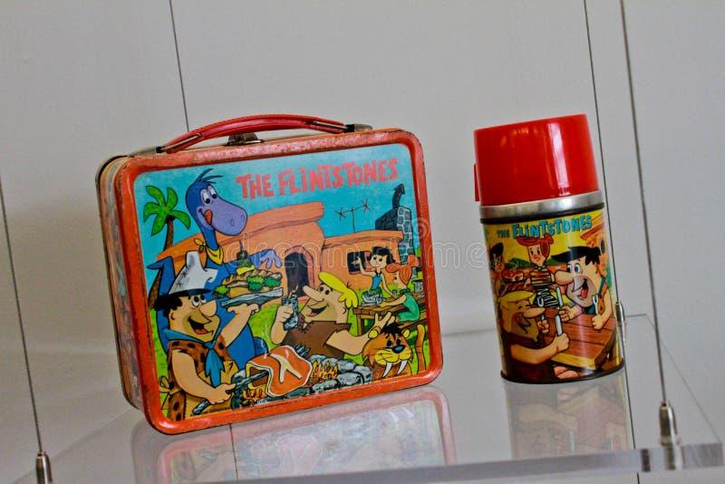 Flintstones caja del almuerzo y Thermos foto de archivo libre de regalías