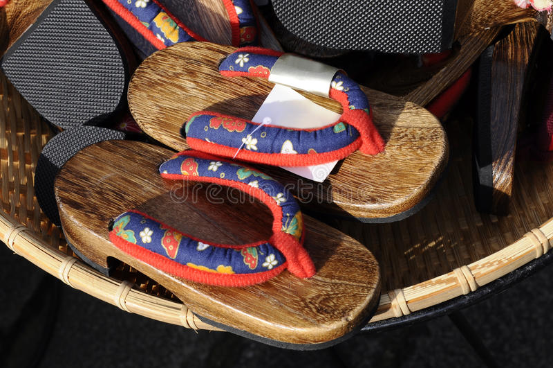 Flip-flop giapponese (sandalo di Zori) nel servizio fotografie stock libere da diritti