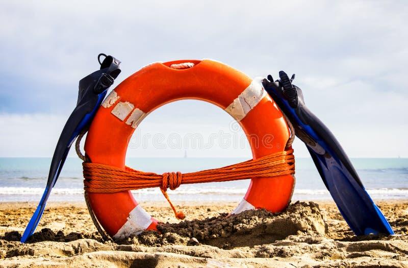 Flippers i lifebelt obrazy stock
