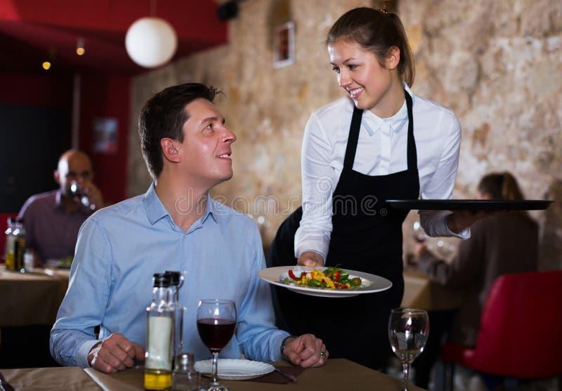 restaurant flirter)