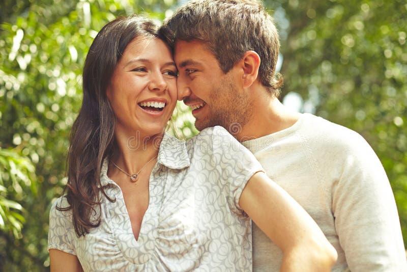 Flirtować pary zdjęcia royalty free