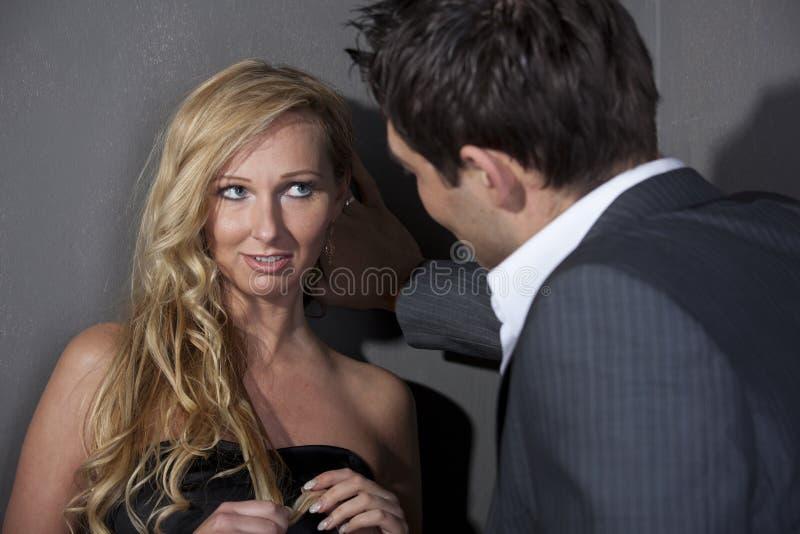 Flirtuje para zdjęcie royalty free