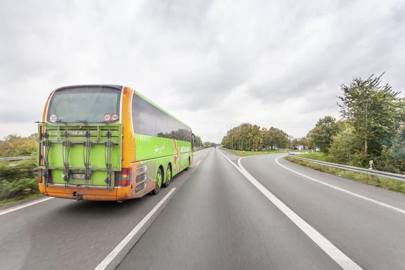 Flixbus - ευρωπαϊκό μεγάλης απόστασης λεωφορείο στοκ φωτογραφία