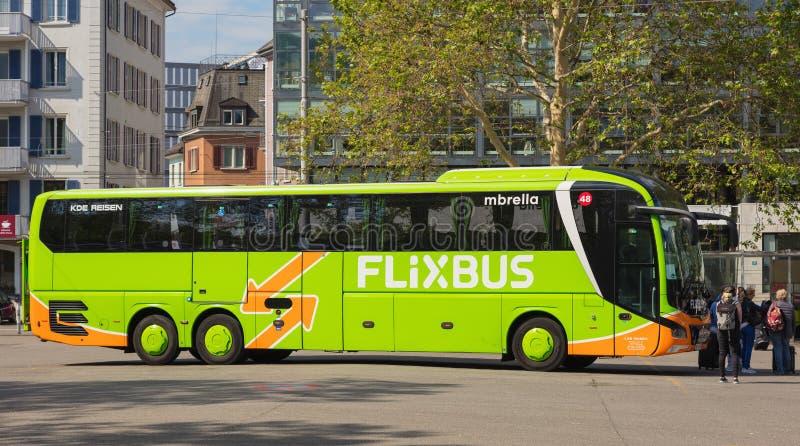Flixbus w mieście Zurich, Szwajcaria fotografia stock