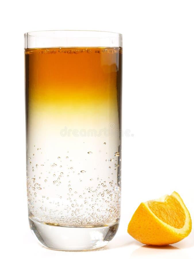 Floater - Cognac coctail på vit bakgrund arkivbild