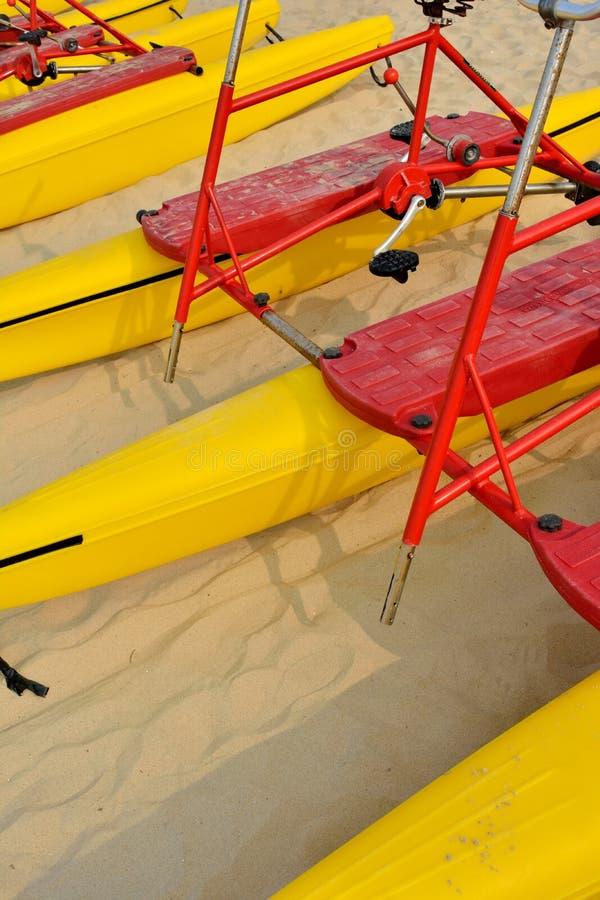 Floater för strandsandcykel royaltyfria bilder