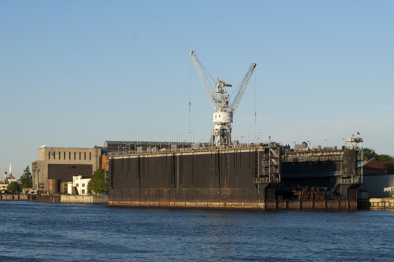 Download Floating Dock To St. Petersburg Stock Photo - Image: 28839846