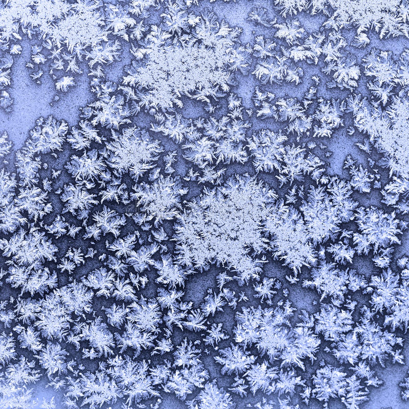 flocons de neige et gel sur la fen tre congel e en hiver image stock image du texture bleu. Black Bedroom Furniture Sets. Home Design Ideas
