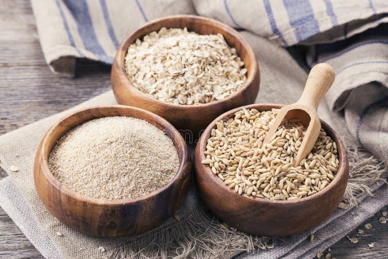 Flocons, graines et son d'avoine photo libre de droits