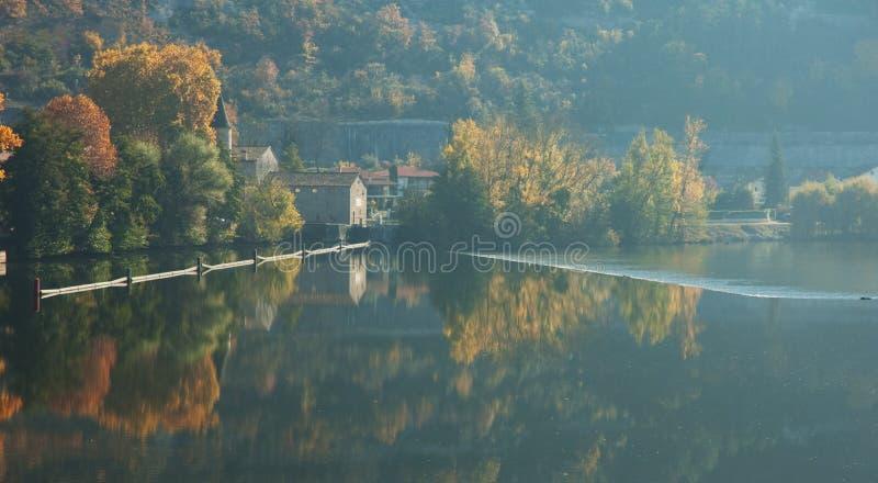 flod för france lås mycket royaltyfria bilder
