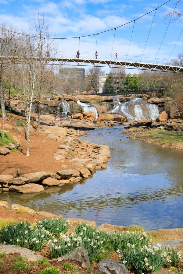 Flod för Greenville SC Liberty Bridge Falls Park Reedy arkivfoton