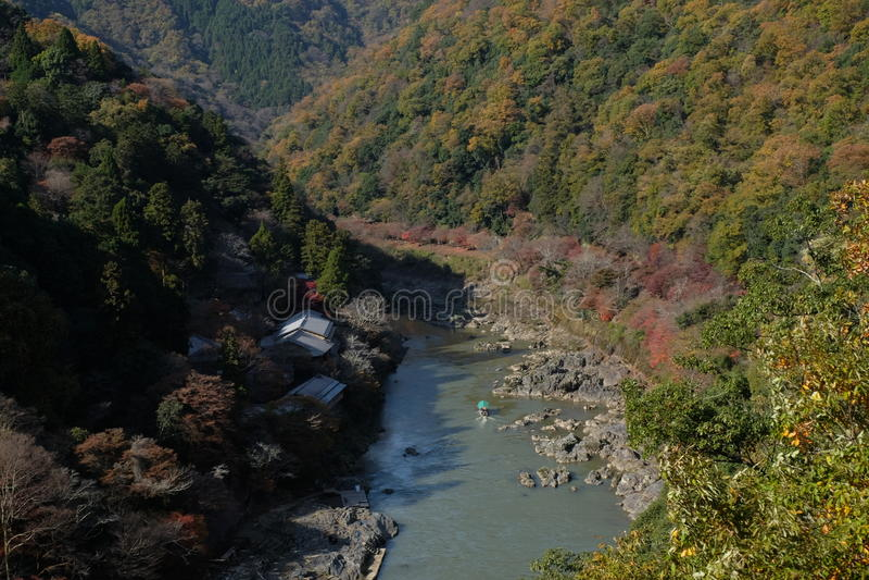 Flod i Arashiyama Kyoto, Japan arkivfoto