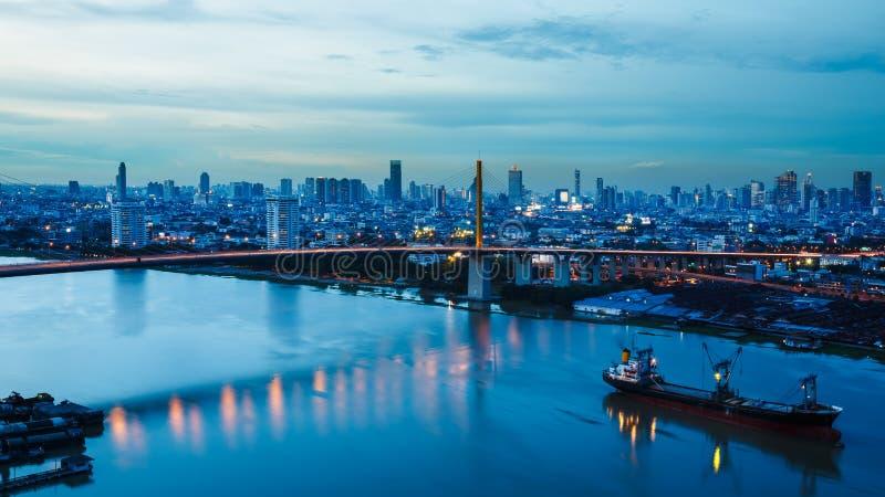 Flod i den Bangkok staden arkivfoto