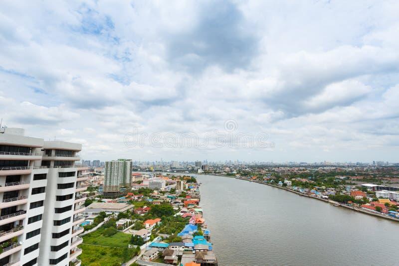 Flod i den Bangkok staden royaltyfri fotografi