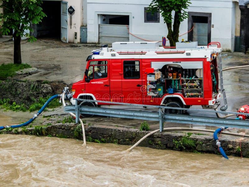 Flod i 2013 i steyr, Österrike royaltyfri bild