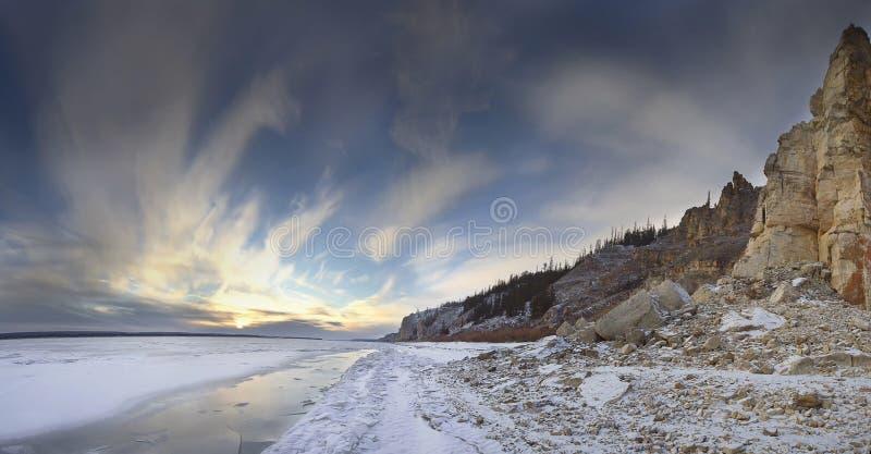 Flod Lena, Yakutia Ryssland royaltyfria bilder