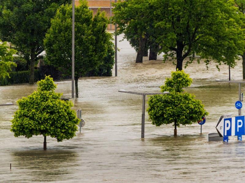 Flod 2013, linz, Österrike fotografering för bildbyråer