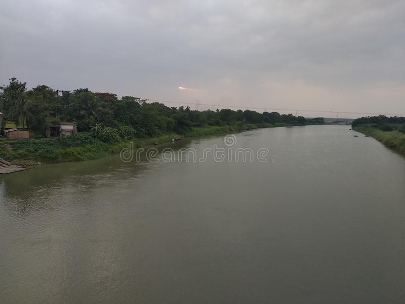 Flod mycket av vatten fotografering för bildbyråer