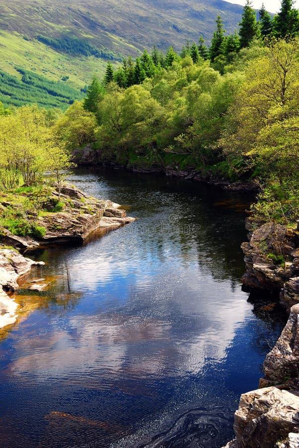 flod s scotland royaltyfri bild
