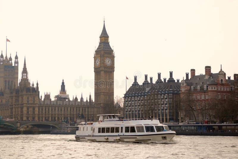 Flod thames london arkivfoton