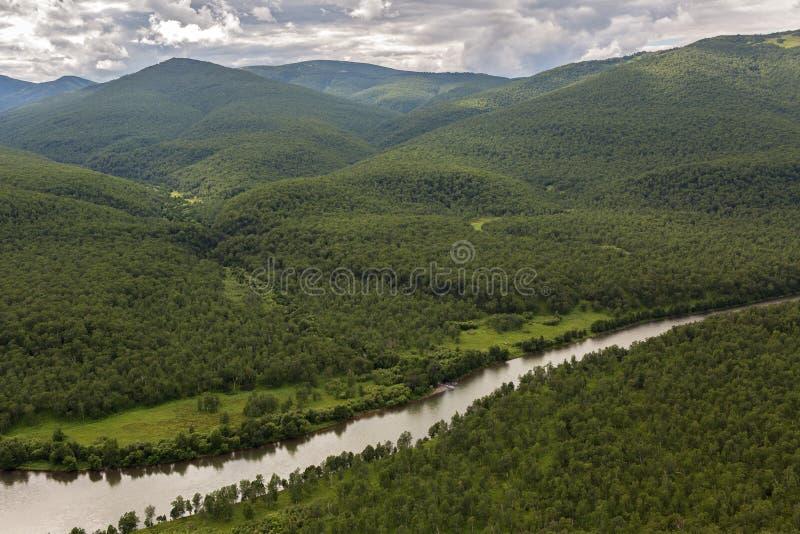 Flod Zhupanova Kronotsky naturreserv på den Kamchatka halvön royaltyfri fotografi