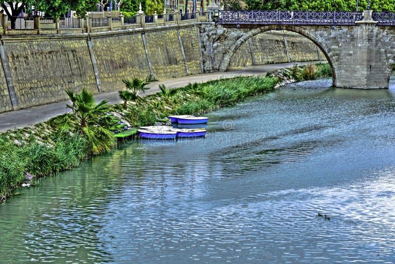 Floden Segura som jämförs till Nilen arkivbilder