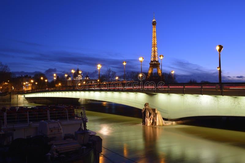 Floden Seine under floden arkivfoton