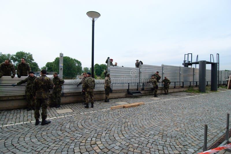 Floder i Prague, 3. juni 2013 royaltyfria foton