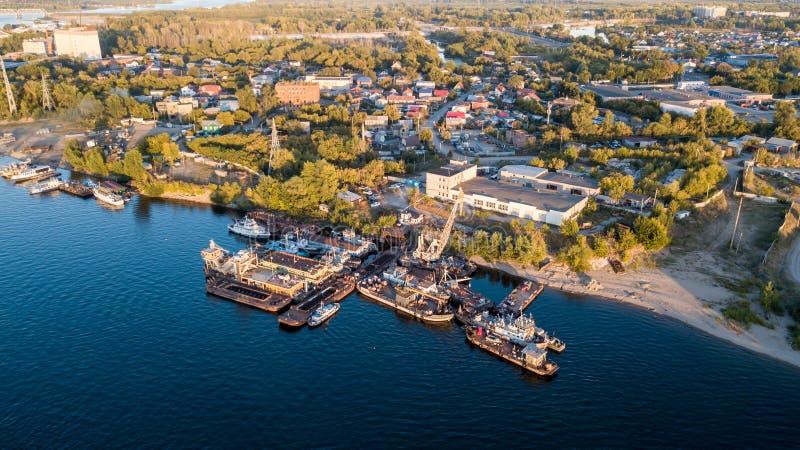 Flodkusthamnplats arkivfoto