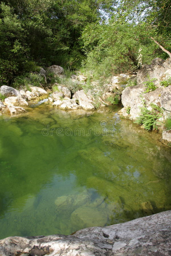 Flodlauquet i Corbieres, Frankrike royaltyfria foton