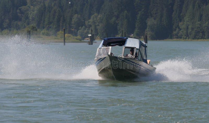 Download Flodrunning arkivfoto. Bild av kryssare, fiskare, fiske - 506914