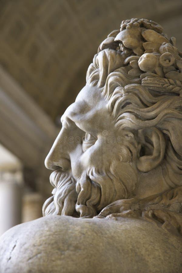 flodskulptur tiber vatican arkivfoton