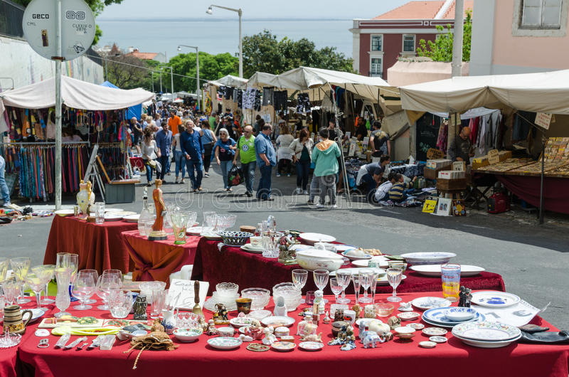 Flohmarkt in Lissabon lizenzfreies stockbild