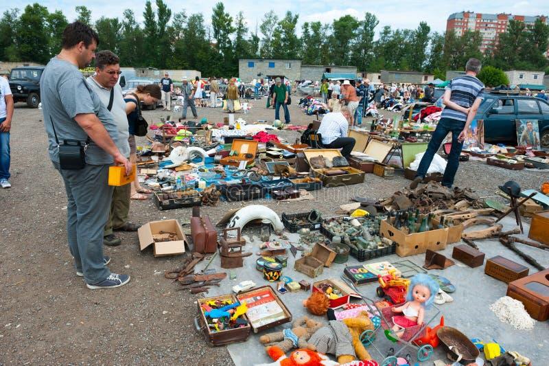 Flohmarkt in Moskau lizenzfreie stockfotografie