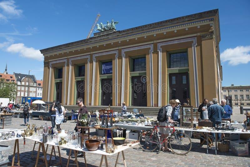 Flohmarkt in Quadrat Kopenhagens Thorvaldsen stockfotos